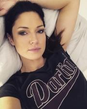 Marie Lang schläft in Bettwaren mit DACRON® Hollofil® active